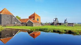 Niederländisches Haus in Zaanse Schans, die Niederlande stockfotos