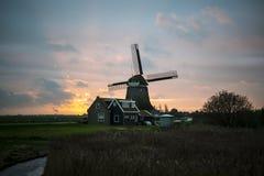 Niederländisches ` typische Windmühle Stockbild