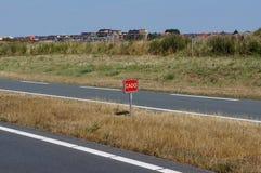 Niederländisches Wort CADO auf einem Verkehrsschild stockfotos