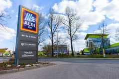 Niederlassung von der Aldi-Supermarktkette stockfotografie