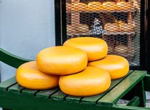 Niederländischer Gouda-Käse Lizenzfreies Stockfoto