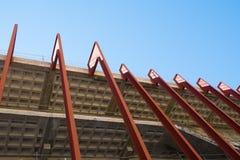 Niedokończony budynku niskiego kąta wp8lywy fotografia royalty free