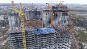 Niedokończony budynek mieszkaniowy robić zbrojony beton zdjęcie wideo