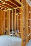 niedokończony drewniany ramowy budynek lub dom zdjęcie stock
