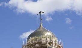 Niedokończony nowy kościół żółta cegła zdjęcie stock