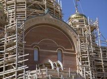 Niedokończony nowy kościół żółta cegła zdjęcia stock