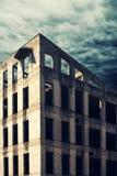 Niedokończona zaniechana betonowego budynku fasada Obraz Stock
