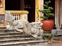 NIEDOZWOLONY pałac, światowy dziedzictwo kulturowe w odcienia mieście WIETNAM Obrazy Stock