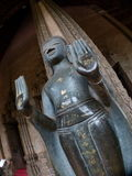 Niedrig-Winkelfoto des Laotianers Buddha und der Hände Stockfotografie