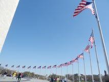 Niedrige Flaggen des Monuments stockbild