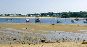 Niedrige Gezeiten auf der Küstenlinie Stockfoto
