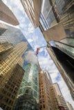 Niedrige Winkelsicht Manhattans Skysrapers Lizenzfreie Stockfotografie