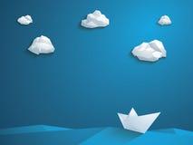 Niedriger Polypapierbootsvektorhintergrund polygonal Lizenzfreie Stockfotos