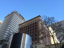 Niedriger Winkel Wideshot von Aparment-Gebäuden Lizenzfreie Stockfotos
