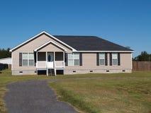 Niedriges Einkommens-hergestelltes Haus Lizenzfreies Stockbild