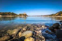 Niedzica城堡,波兰,欧洲美丽的景色  库存图片