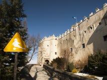 NIEDZICA, POLONIA 2015 21 de febrero: Castillo de Niedzica en Czorsztyn Imágenes de archivo libres de regalías