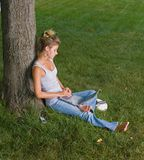 Niedziela nastolatki leniwi Obrazy Stock