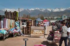 Niedziela rynek w Bosteri Issyk-Kul Kirgistan Zdjęcia Stock