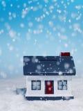 Śnieg Spada na modela domu Zdjęcia Royalty Free