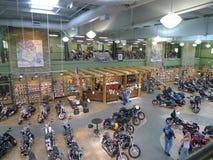Niegarbowany Harley Davidson, Olathe, KS, wnętrze i klienci, Zdjęcia Stock
