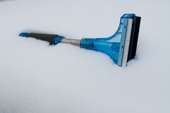 Śniegu i lodu samochodu cleaner Obrazy Royalty Free