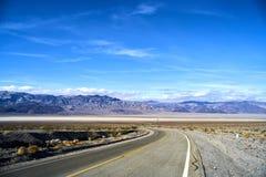 Niekończący się droga w Utah, zima Obrazy Royalty Free