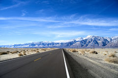 Niekończący się droga w Utah, zima Obraz Stock