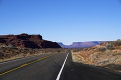 Niekończący się droga w Utah, zima, jar ląduje narodu parka Obrazy Stock