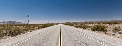 Niekończący się drogi w Arizona pustyni, usa Fotografia Stock
