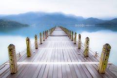 niekończący się jeziorna mgła Zdjęcia Royalty Free
