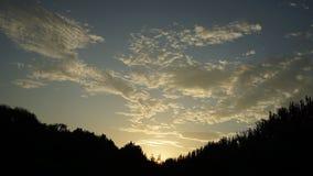 Niektóre chmury w ranku i sunglow obraz stock