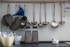 Niektóre naczynie na kuchni Zdjęcia Royalty Free