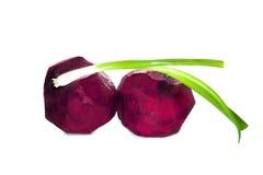 Niektóre warzywa dla borscht: buraki i zielona cebula odizolowywający na białym tle Obrazy Royalty Free
