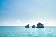 Niektóre wyspa przy Angthong parkiem narodowym w Tajlandia Obraz Stock