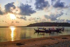 Niektóre wyspa przy Angthong parkiem narodowym w Tajlandia Zdjęcie Royalty Free