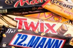 Niemcy, Czerwiec - 21, 2016: różni cukierki, Snickers, Mars, Twix Obrazy Stock