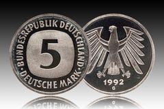 Niemcy niemiec moneta pięć 5 ocen, cyrkulacji moneta, mała zmiana, wybijająca monety 1992 zdjęcia royalty free