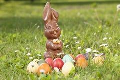 Niemcy, Niski Bavaria, rozmaitość Wielkanocni jajka na trawie Zdjęcia Stock