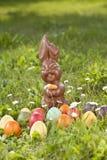 Niemcy, Niski Bavaria, rozmaitość Wielkanocni jajka na trawie Obraz Royalty Free