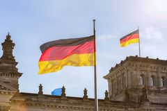 Niemiec flaga na niemiec Bundestag Zdjęcia Stock