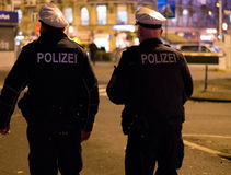 Niemiec policja przy nocą Zdjęcie Stock