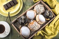 Niemieccy donuts wypełniający z dżemem dla karnawału - krapfen lub berlińczyk - fotografia stock