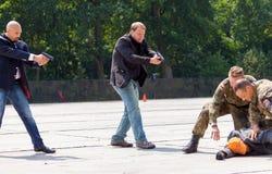 Niemieccy policja wojskowa ochroniarzi pokonują zabójcy Zdjęcia Stock