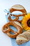 Niemieccy tradycyjni chlebowi precle obrazy royalty free