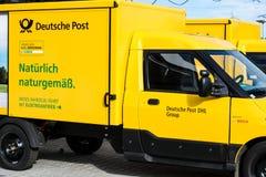 Niemiecka pocztowa firma przed wakacjami i pięcioliniowymi niedoborami fotografia stock
