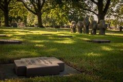 Niemiecki cmentarz przy losem angeles Cambe, Normandy, Francja zdjęcia stock
