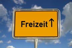 Niemiecki drogowego znaka czas wolny fotografia royalty free