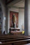 Niemiecki kościół katolicki z religijnymi szczegółami wokoło ołtarza i a fotografia royalty free
