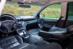 Niemiecki luksusowy limuzyny wnętrze - sedan, skór siedzenia Zdjęcia Stock